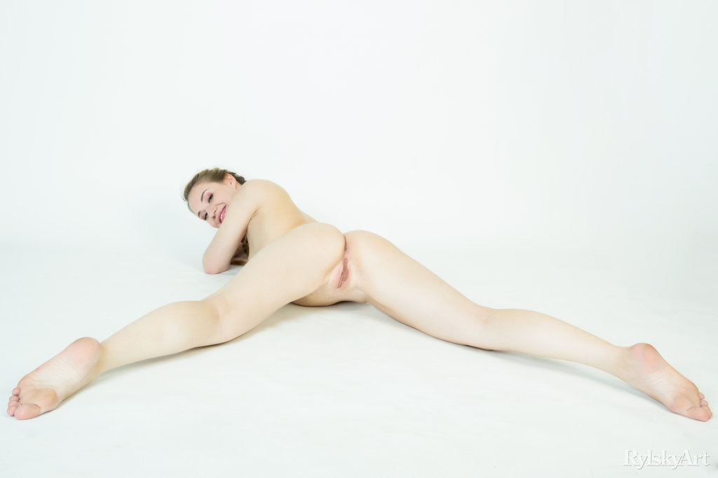 medium tits slide