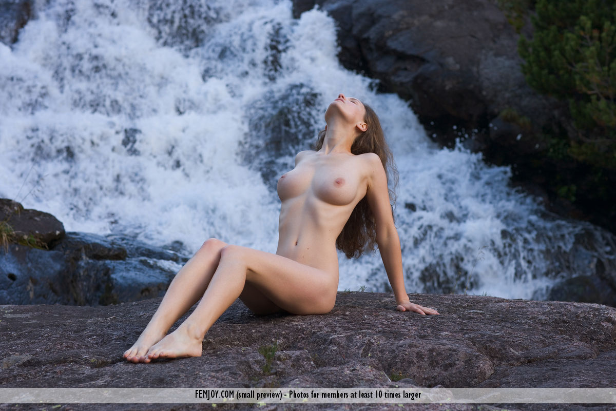 On the magazine cover of Harmony FemJoy is hair-raising Susann