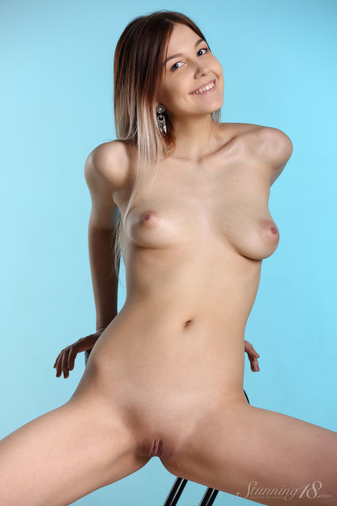 Best rousing model Taylor for adult only sessions