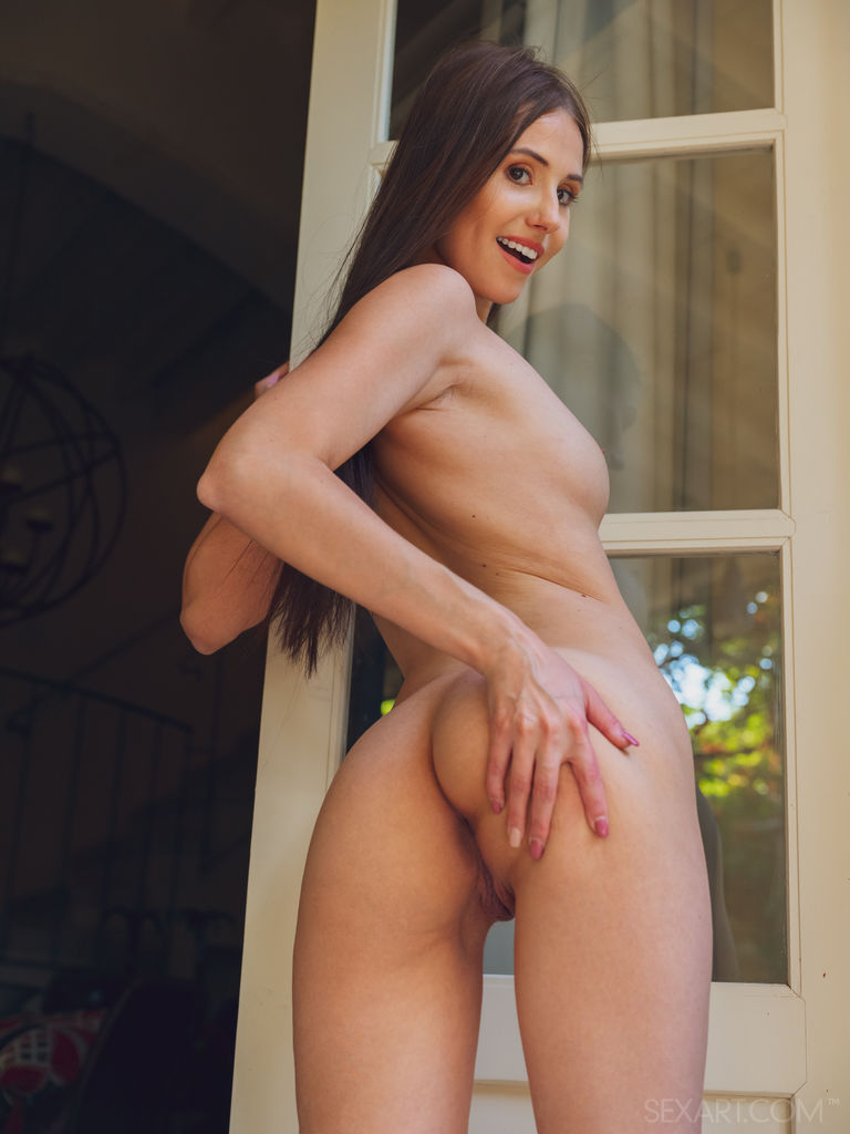 Vanessa Angel in unclothed snap