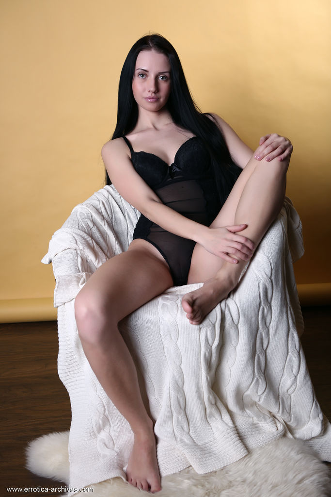 Veronica Snezna in undressed pic