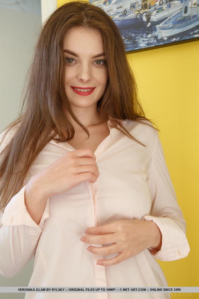 seductive large titties shot for freebie