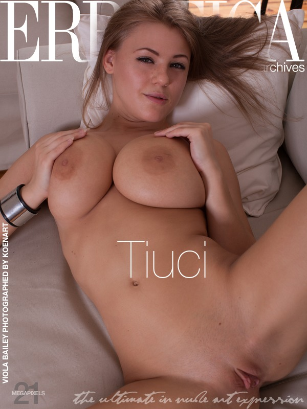 On the magazine cover of Tiuci Errotica Archives is heavenly Viola Bailey