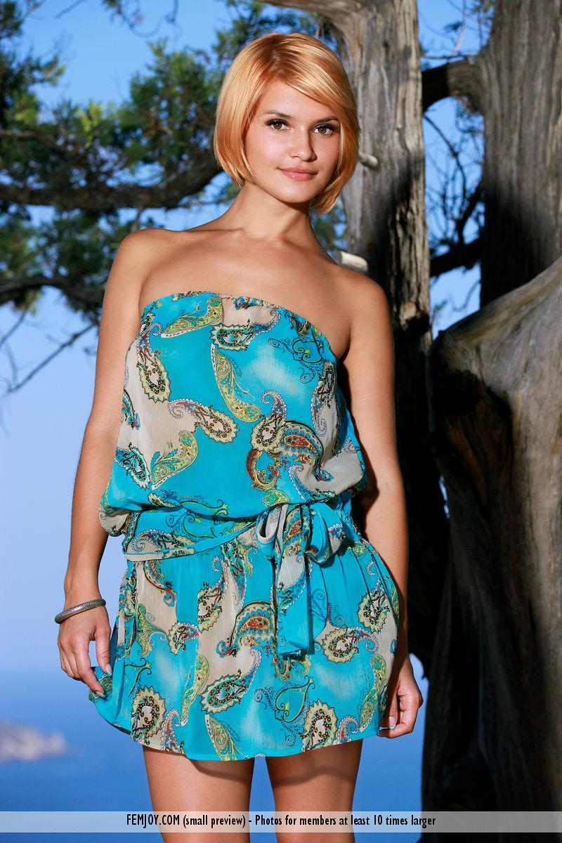Magazine coverViolla A dishabille big boobs