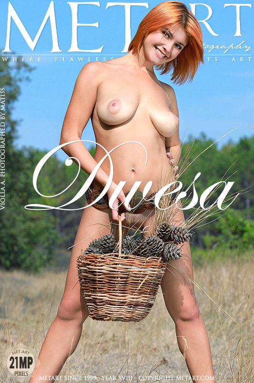 Magazine coverViolla A stunning big breasts
