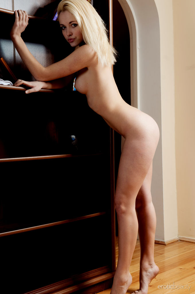 Best salacious model Yaro for adult only sessions