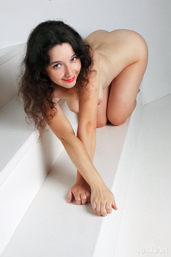 Yennefer amazing medium breasts pic