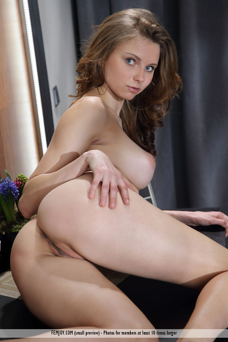Best salacious model Yuki in in birthday suit sessions