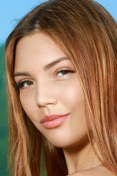 Art model Alicia Love