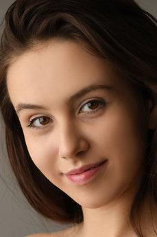 Art model Alisa Amore