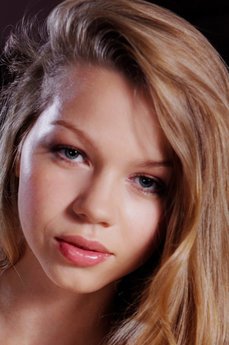 Art model Amelia C