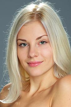 Art model Betania