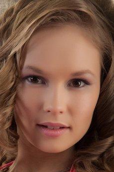 Art model Caesaria A