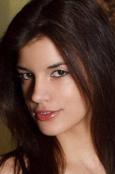 Art model Candice Luka