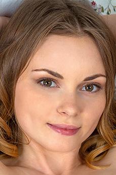 Art model Claire