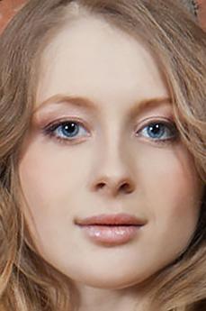 Art model Daisy Gold