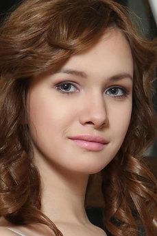 Art model Demetra A