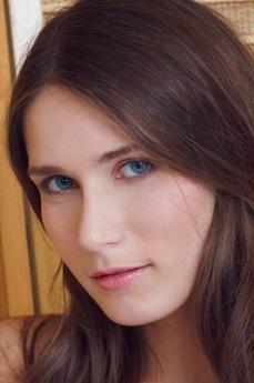 Art model Elina