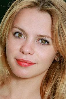 Art model Elisa Liv
