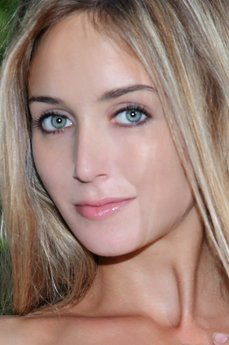 Art model Elise A