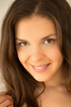 Art model Henessy A