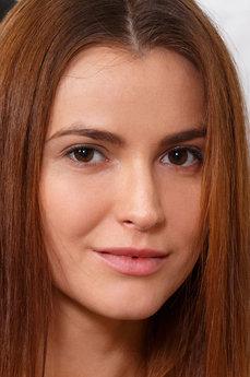 Art model Juliette Kross