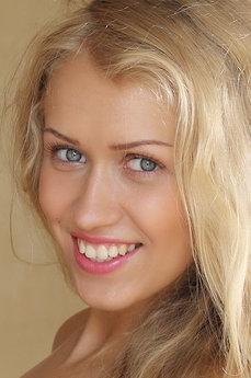 Art model Kaylee A