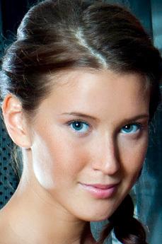 Art model Kira J