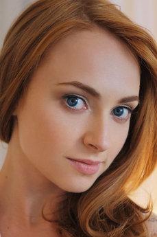 Art model Lenai