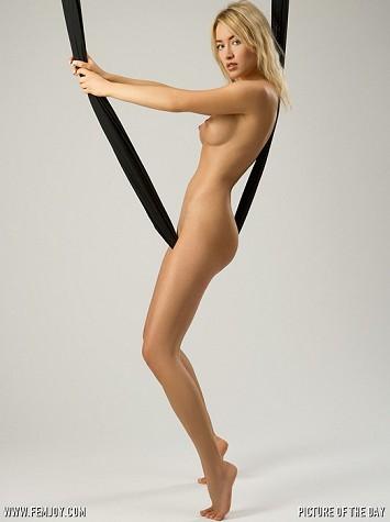 Art model Lia