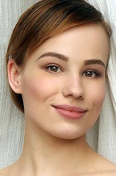 Art model Liania