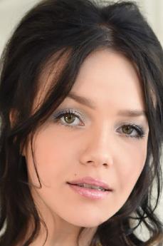 Art model Lily Sands