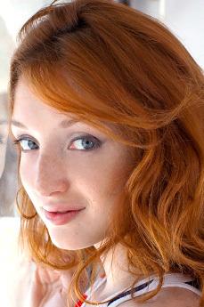 Art model Michelle H