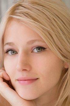 Art model Mila I