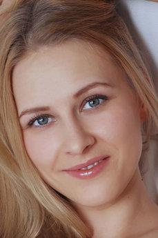 Art model Mirayn A