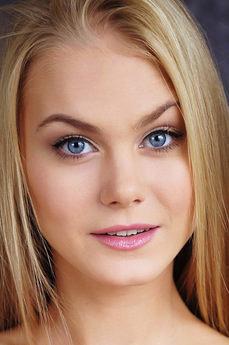Art model Nancy A