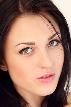 Art model Nika Lace