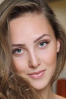 Art model Olivian