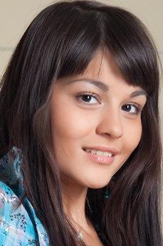 Art model Shereen A