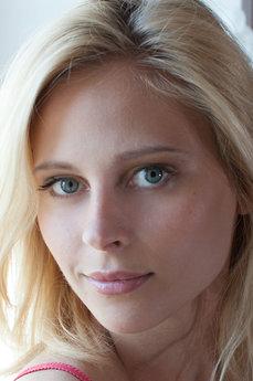 Art model Skarlett