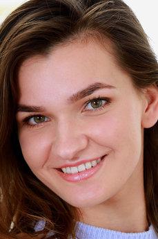 Art model Sofia Vera