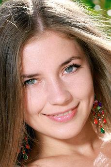 Art model Vivian