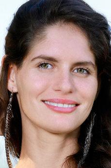 Art model Yasmina