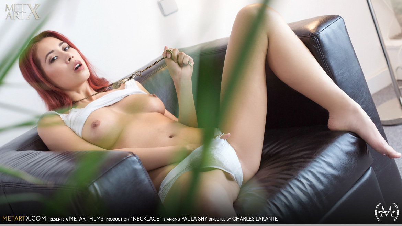 Full HD Video Porn Necklace - Paula Shy MetArtX nude au naturel medium natural titties