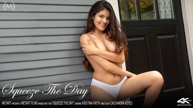 Full HD Video Porn Squeeze The Day - Kristina Faith MetArt au naturel