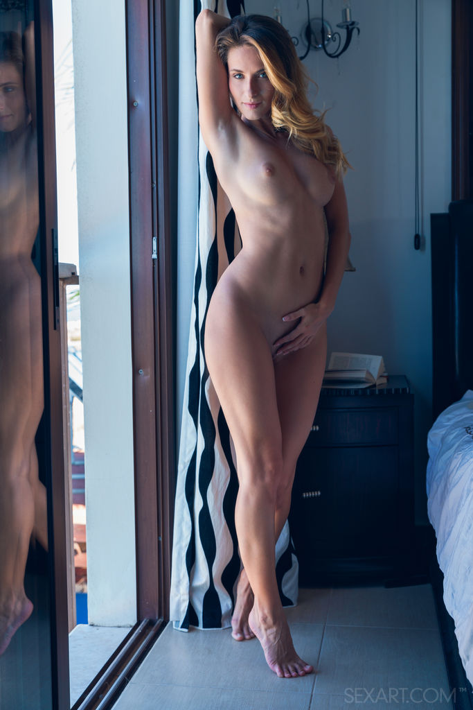 Cara Mell beautiful combed blonde she presents her angel body